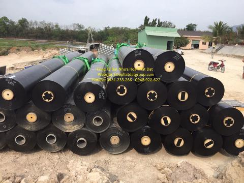 Báo giá bán lẻ màng bạt nhựa chống thấm HDPE màu xanh đen lót ao hồ bờ ao chứa nước giá rẻ tại Tp Bắc Giang