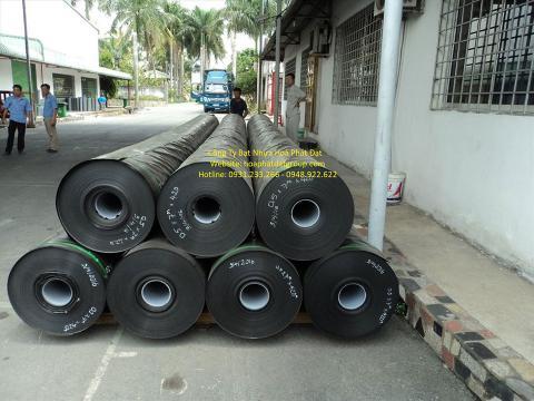 Báo giá bán lẻ màng bạt nhựa chống thấm HDPE màu xanh đen lót ao hồ bờ ao chứa nước giá rẻ tại Hưng Yên