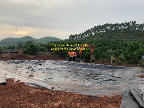 Báo giá bán lẻ màng bạt nhựa chống thấm HDPE màu xanh đen lót ao hồ bờ ao chứa nước giá rẻ tại Kon Tum